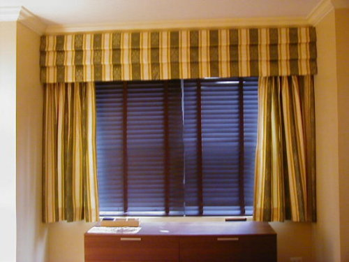 Pleated Roman Valance